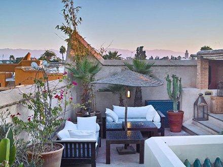 Marrakech rooftop restaurant with views over Marrakech-city