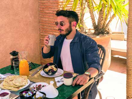 In the riad rooftop bar in Marrakech you will enjoy your breakfast and the best meals.